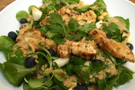 Hähnchen Salat mit Blaubeeren