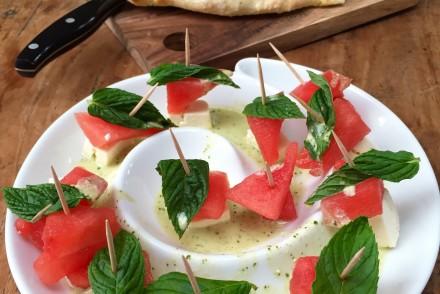 Melonen-Feta Spieße und Focaccia