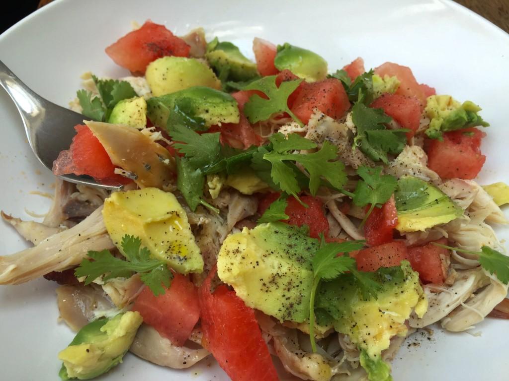 Wassermelone Hähnchen Salat mit Avocado