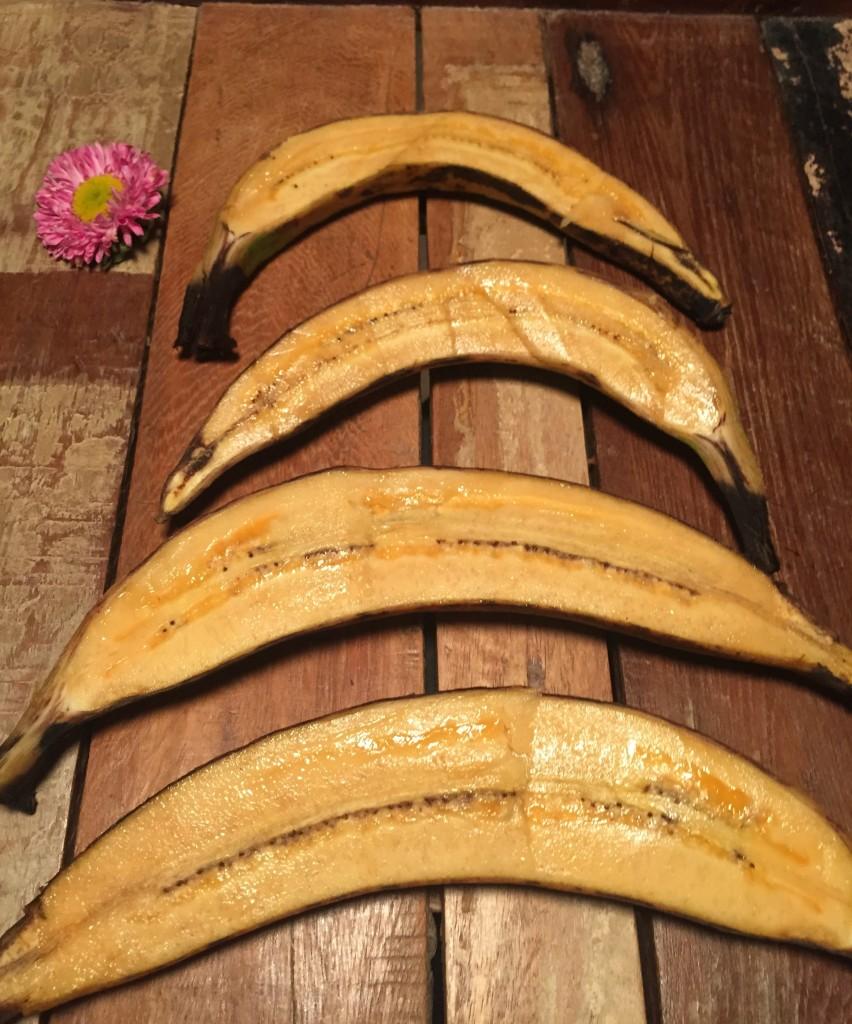 Kochbananen ungekocht im Querschnitt