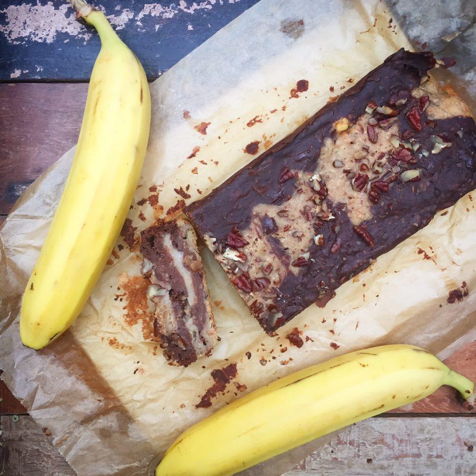 frisches Bananenbrot Blackn White